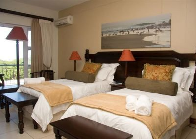Luxury hotel accommodation near Port Shepstone on the KZN South Coast. This room offers two twin beds.